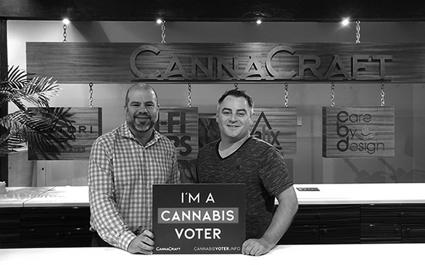Photo of CannaCraft co-founder Dennis Hunter with HeadCount CEO Andy Bernstein